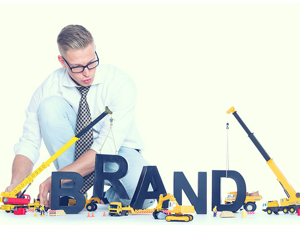 How to build a branding identity for your clothing business ?